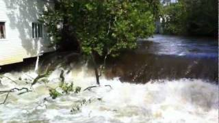 preview picture of video 'Belvidere, New Jersey - Pequest River flooding HD (2011)'