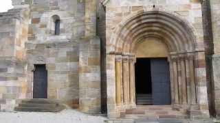 preview picture of video 'Sulejów, Romański kościół cystersów, konsekrowany w 1232 r'