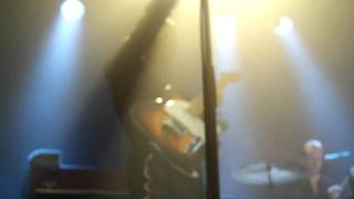 Anna Calvi - Love Won't Be Leaving (Guitar close up)