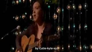 Lori chante au Rack (vf - mauvaise qualité)