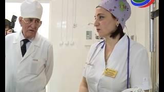 Супруга главы Дагестана навестила одного из пострадавших при взрыве детей