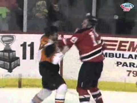 Brad Mills vs Zac Rinaldo