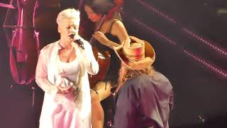 """Pink Live """"Love Me Anyway"""" With Chris Stapleton Madison Square Garden 21st May 2019"""