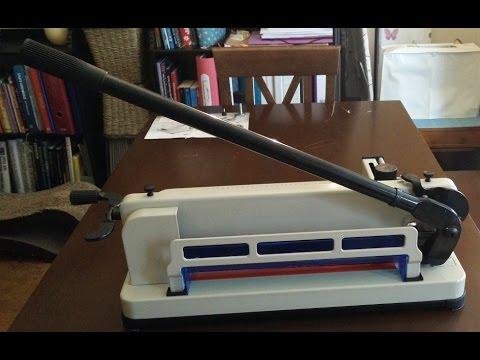 Papierschneidemaschine  A4  (18 Kg / Metall Profi-Maschine)