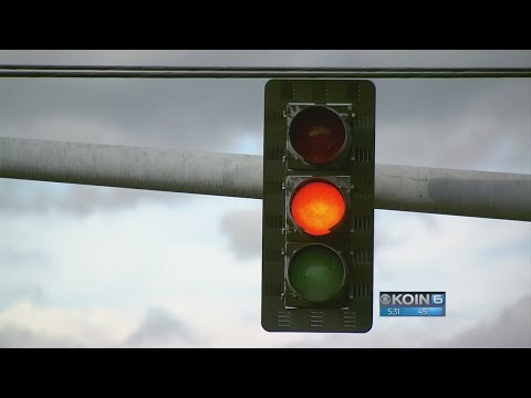 Wrongly timed Beaverton light catches many drivers