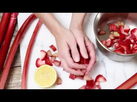 Video Stawberry Rhubarb Coconut Milk Ice Cream