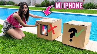 NO EMPUJES LA CAJA INCORRECTA A LA PISCINA | ¡TIRO MI IPHONE! | Lyna Vlogs