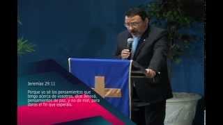 preview picture of video 'Apostol Cesar Oviedo - No claudicar en los pensamientos'