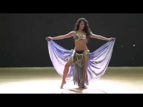 Завораживающий восточный танец