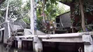 preview picture of video 'Damnoen Saduak Floating Market - Thailand'
