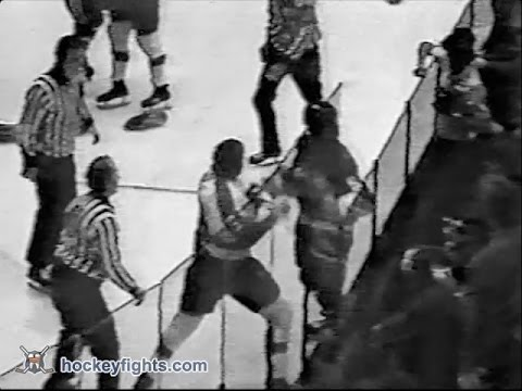 Dave Schultz vs. Denis Potvin