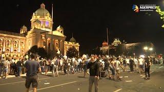 Serbia: Manifestaţii paşnice la Belgrad după două nopţi de violenţe