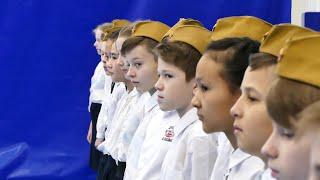 Школьный конкурс смотра строя и песни