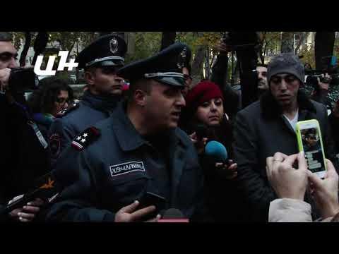 Ոստիկանները ուժով բացեցին Վազգեն Սարգսյան փողոցը
