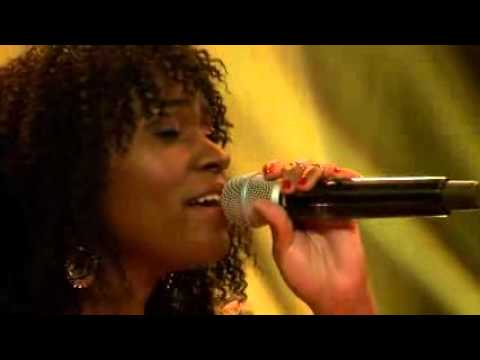Juliana Kanyomozi & Flavour Perform Nakupenda Mash up In Coke Studio