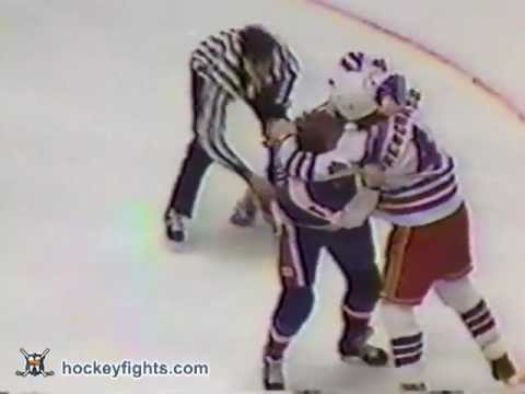Ron Greschner vs. Randy Carlyle