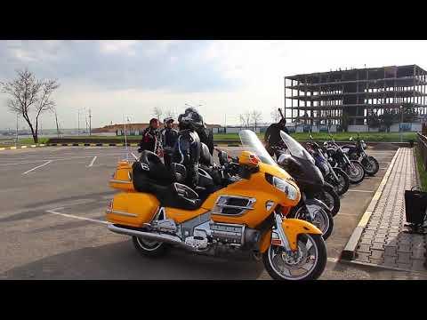 С какого возраста можно официально ездить на мотоцикле или мопеде в Казахстане