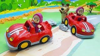 Мультики Игрушки Маша и Медведь новые серии 2017 - Влево вправо! Мультфильмы для самых маленьких