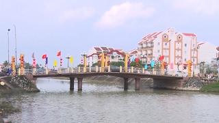 Tin tức 24h: Hà Nội xử phạt xe lấn làn xe buýt nhanh BRT