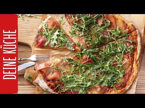 Pizza selber machen mit Serranoschinken und Rucola | REWE Deine Küche
