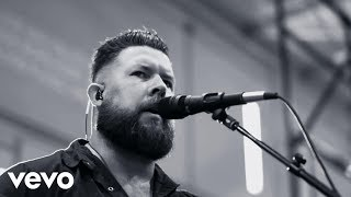 Zach Williams – No Longer Slaves (Live from Harding Prison)