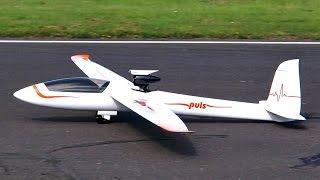 """PULS"" GIGANTIC RC FULL GFK EDF ELECTRIC GLIDER FLIGHT DEMONSTRATION / Jetpower Messe 2015"