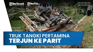 Detik-Detik Truk Pertamina Terperosok ke Parit di Madiun, Kernet Mengaku Ada Truk Memotong Jalan