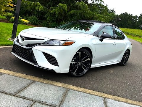 2018 Toyota Camry TECH REVIEW (1 of 3)