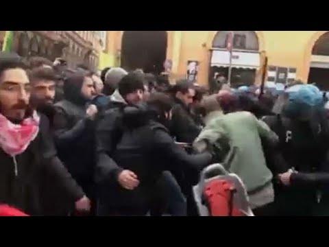Μπολόνια: Συγκρούσεις αριστερών διαδηλωτών και αστυνομίας