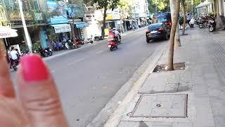 Улица Hoang Hoa Tham. Магазин Canon. Go Pro.