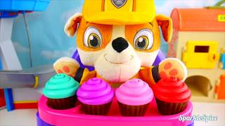 Learning colors for kids with paw patrol cupcakes