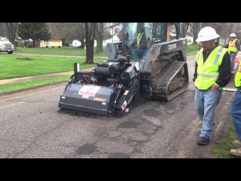 RoadHog RH4060 Milling for Utility Installation