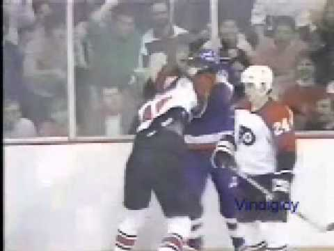 Alan Kerr vs Ron Sutter