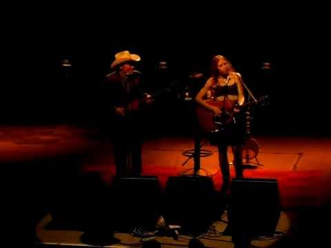 "GILLIAN WELCH - ""The Way The Whole Thing Ends"" live 7/7/11"