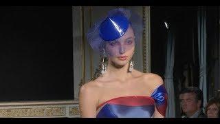 Vídeo: Giorgio Armani Privé Alta Costura Primavera Verano 2019 | Elle España
