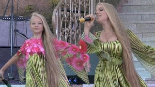 Anastasia & Victoria Petrik (Анастасия и Виктория Петрик), performance in Palmira Palace hotel, live