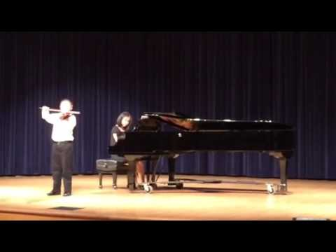 8 years boy plays Rieding B minor violin concerto Op.35 (movt. 1)