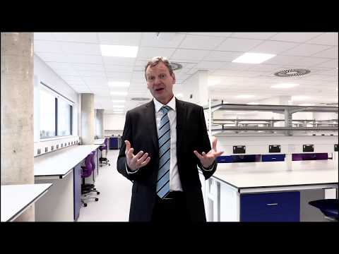 Tour of the Centre for Cancer Immunology | University of Southampton