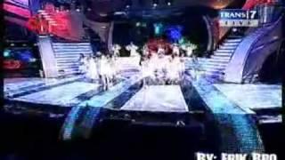 Mahadewi - Roman Picisan @ Konser Merah Putih 060810