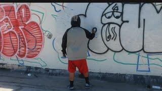 Racking Paint   Los Angeles Graffiti Part 1