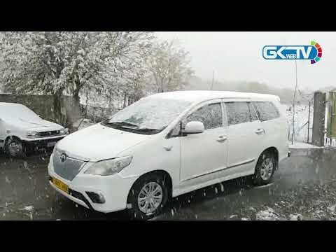 Drass, adjoining areas experience season's first snowfall