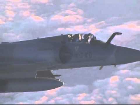 Avion Comercial Interceptado por misterioso Caza
