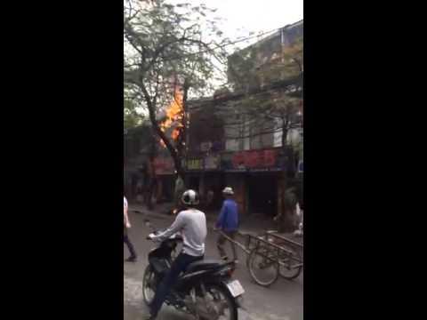 Cháy quán GAMEVIP Đặng Văn Ngữ. Quá đau cho anh em game thủ