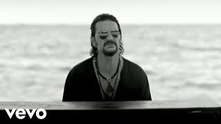Quiero - Ricardo Arjona  (Video)