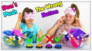 DON'T PUSH THE WRONG BUTTON SLIME CHALLENGE !