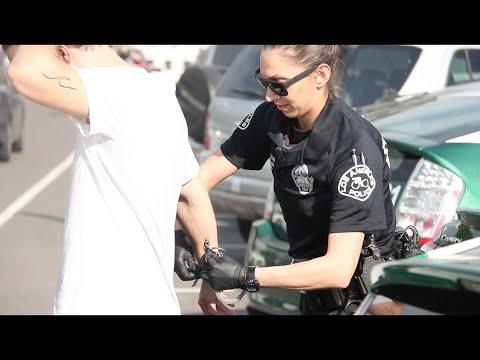 Policisti joku par kokaīnu diemžēl uzreiz nesaprata