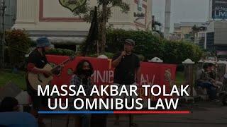 Turun ke Jalan, Massa AKBAR Unjuk Rasa Tolak UU Omnibus Law Cipta Kerja