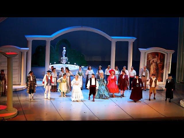«Свадьба Фигаро» в Минске - поклоны после спектакля