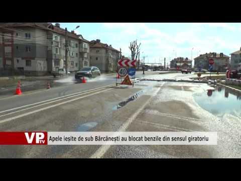 Apele ieșite de sub Bărcănești au blocat benzile din sensul giratoriu