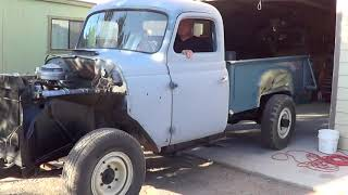 International Harvester 1952 L122, Painting Dump Bed...